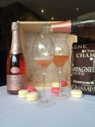 Package Rose Eternelle Malard + Macarons Champenois
